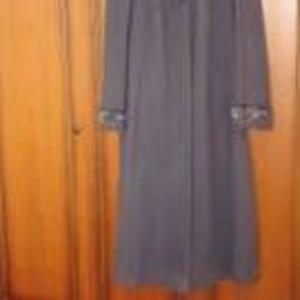 Продам осеннее пальто (серое)